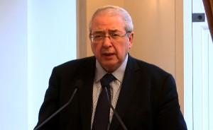 Le président PS de la Région met en avant le  « nouveau » Pass Navigo qui représente dit-il « un acte pour le pouvoir d'achat ».