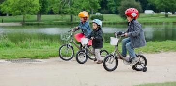 P'tit Vélib',est un dispositif de promotion et d'apprentissage du vélo destiné aux petits Parisiens de 2 à 8 ans. Crédits photo : Jean-Baptiste GURLIAT - Mairie de Paris