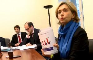 Valérie Pécressse redoute que  redoute que le Passe Navigo à tarif unique (70 euros par mois en septembre pèse sur les comptes de la première région de France.
